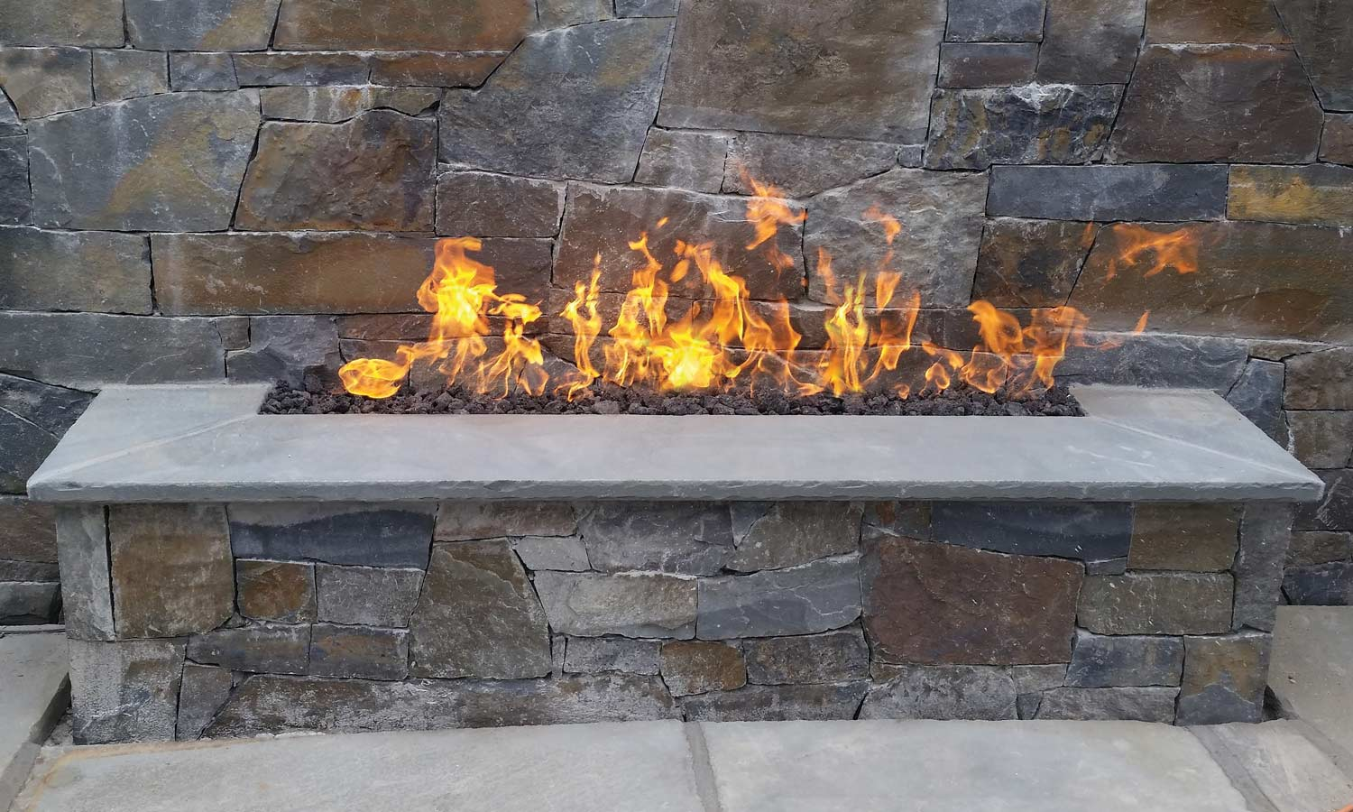 Horizontal Warming Pit at Chim Chimney Fireplace Pool & Spa