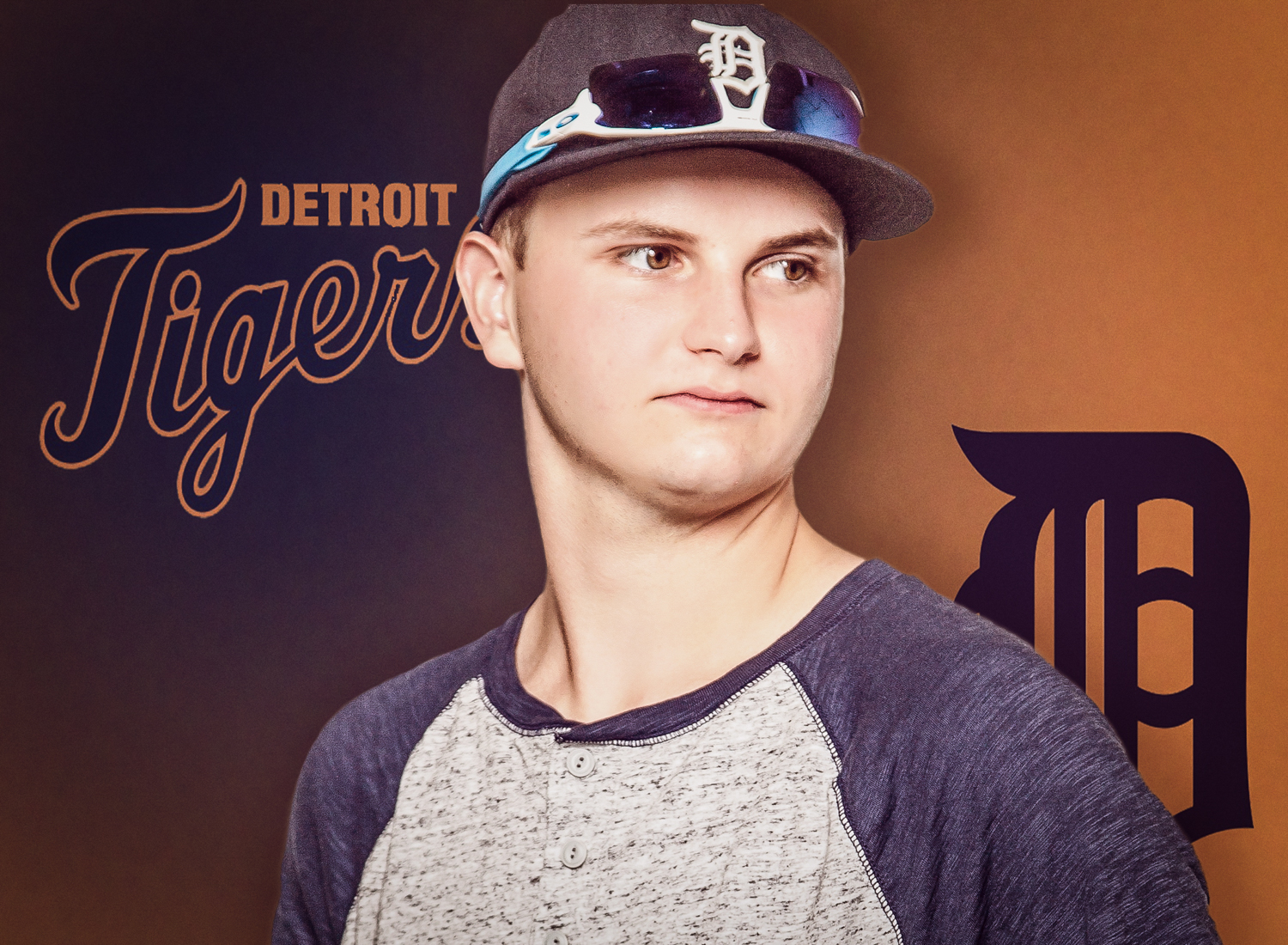 Portrait-HIgh-School-Seniors-Portrait-High-School-boy-with-Detroit-Tigers-cap-232.jpg