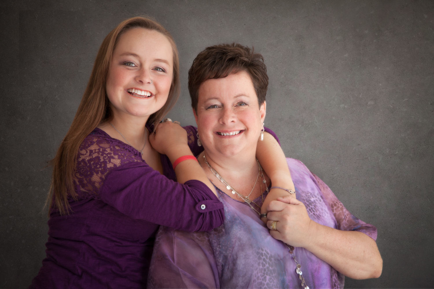 Portrait-Mothers-and-Daughters--smiling-together-and-proud-070.jpg