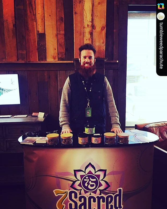 #tgif to start your weekend off RIGHT and kick off #2018 with a BANG! Come #sayhigh  @tumbleweedparachute in #parachute #colorado for #deals for #daze ❄🌰🌲 ------------------ @7sacredco is in store till 3pm today! Come hang out with us 🍫💕 #popup #7sacred #7sacredco #truffles #chocolate #thc #thcinfused #thcinfusededibles #thcinfusedcandy #thcinfusedchocolate #sweettooth #stonerlife #stonergram #weedstagram #cannabis #cannabiscommunity #TWParachute