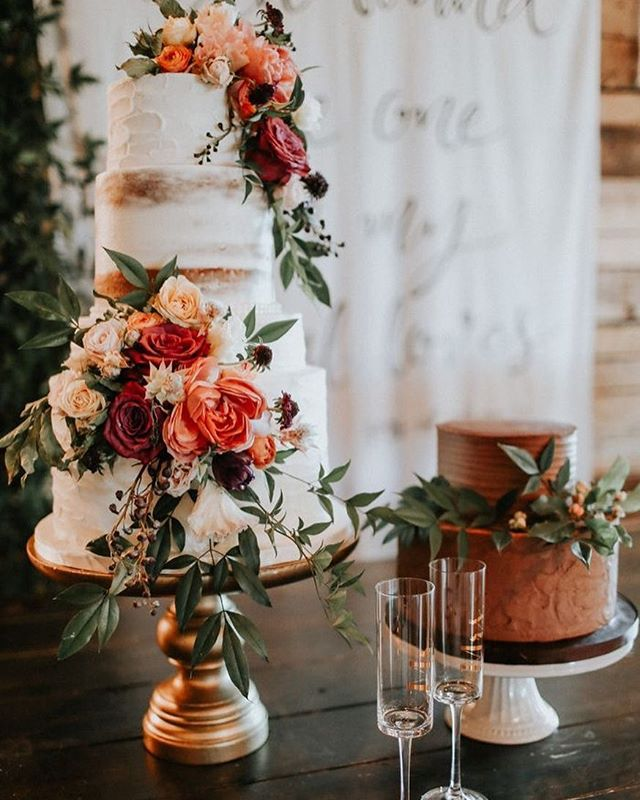 Shout it out NZ brides to be 🍰 we want to test, try and rate the top 10 wedding cakes nationwide! Give us your recommendations in the comments below 💕  #nzbride #nzcatering #weddingcake #nzwedding