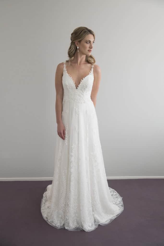 Vinka_Design_Wedding_Dress_290916122-683x1024.jpg