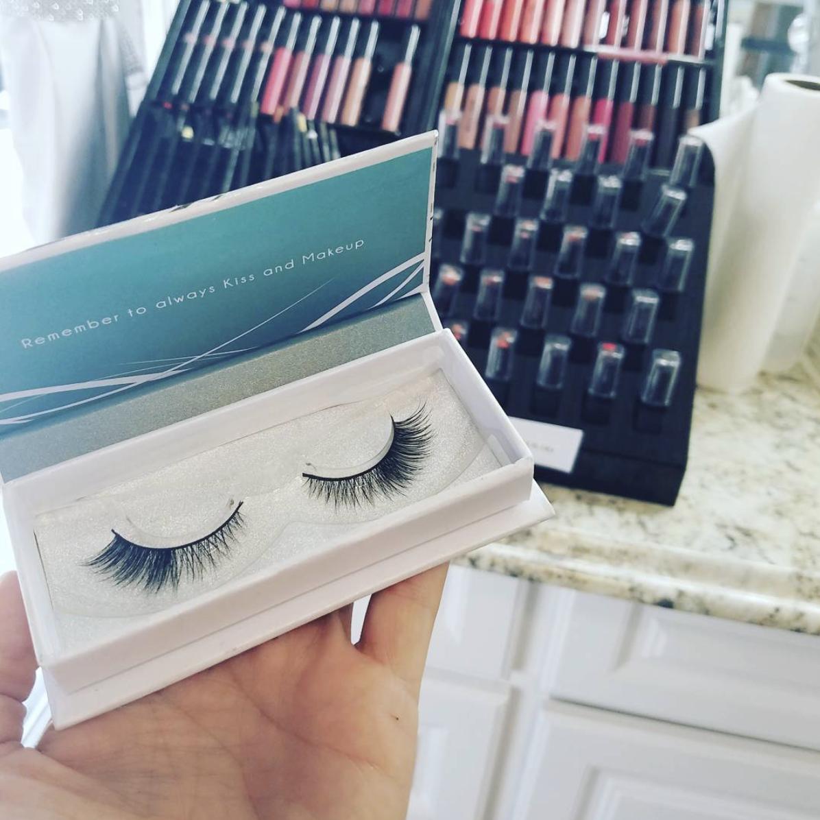 Image of Kiss and Makeup Cosmetics eyelashes