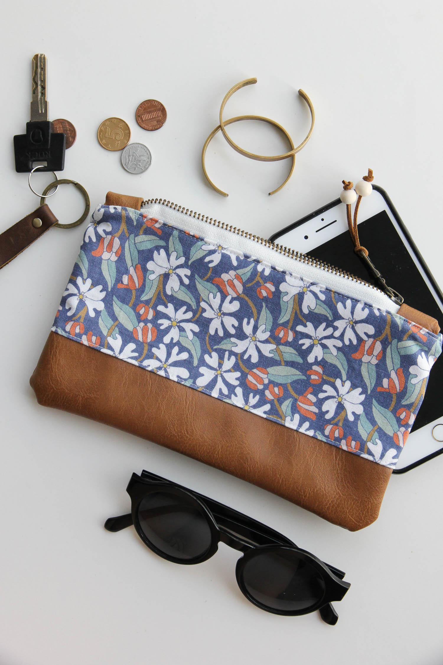 Our  Phlox Blooms Zip Pouch