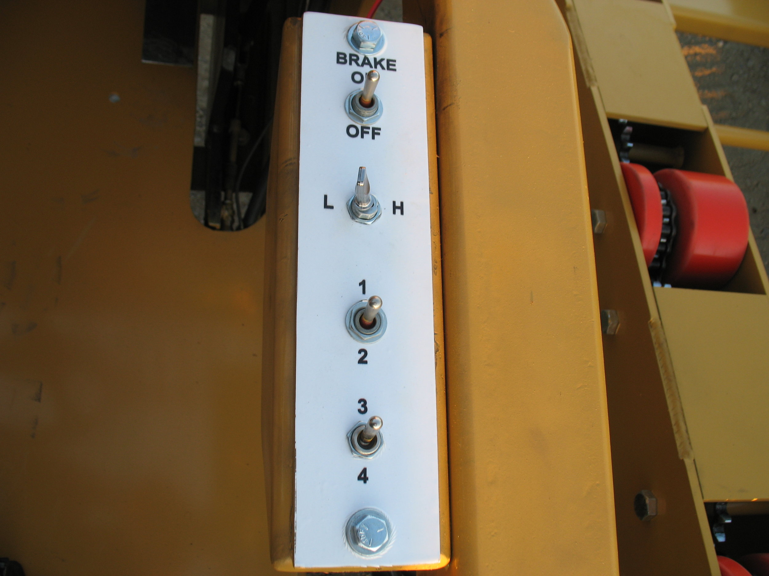 7BW WHEEL MOTOR BIN CARRIER (10).JPG
