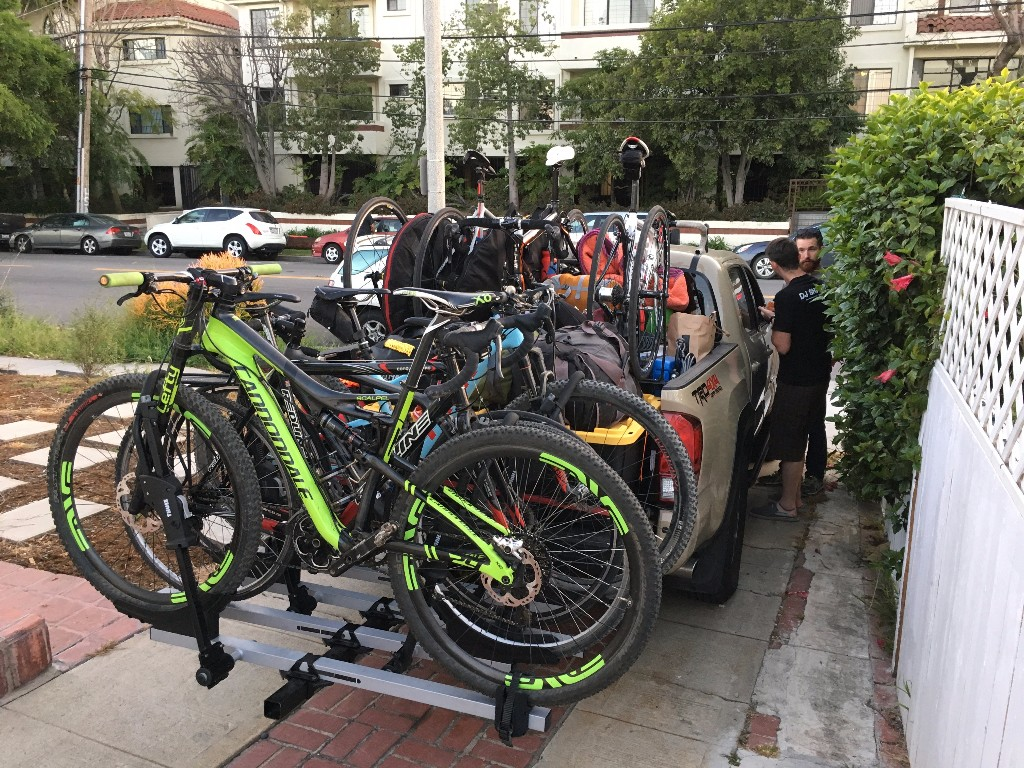 With the LG van staying in town for LA Circuit Race, Team Sea Otter loads up for the drive north to Laguna Seca.