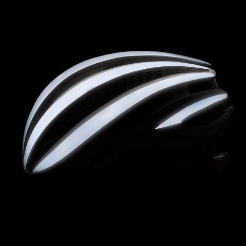 Giro Synthe Black Flash Lit Up.jpg