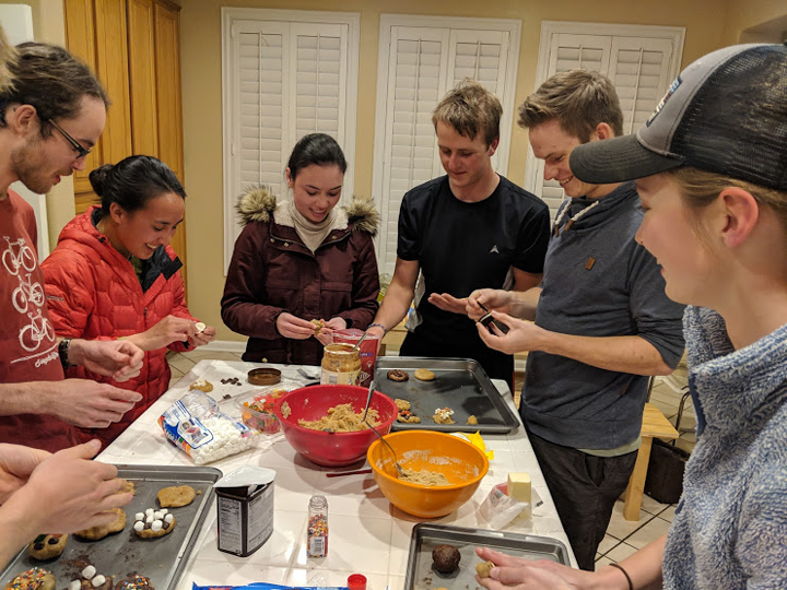 Duncan Clark, Liz Fu, Acacia Shyr, Charlie Herndon, Frank Wyer and Ellie Perry  Baking cookies at the La Grange house.