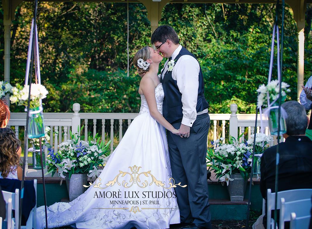 Matt & Kristi Ceremony-0405.png