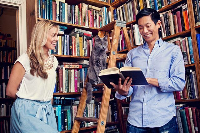Engage your shared interests with your engagement portraits. How? Communication is key. Start the conversation with @weddingcreativo 📸 #engagementportraits #engaged #chicagowedding #chicagoweddingphotographer #portraitphotography #portaitsession #lifestylephotography #catsofinstagram #booklovers