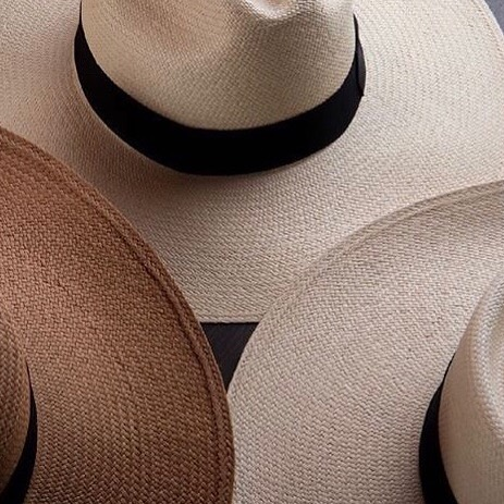 In 2012 the art of weaving the traditional Ecuadorian Toquilla Straw Hat was recognized by the UNESCO as an Intangible Cultural Heritage, a symbol that defines traditions, knowledge and skills that have passed down for generations. What an honor it is to support this tradition 💕