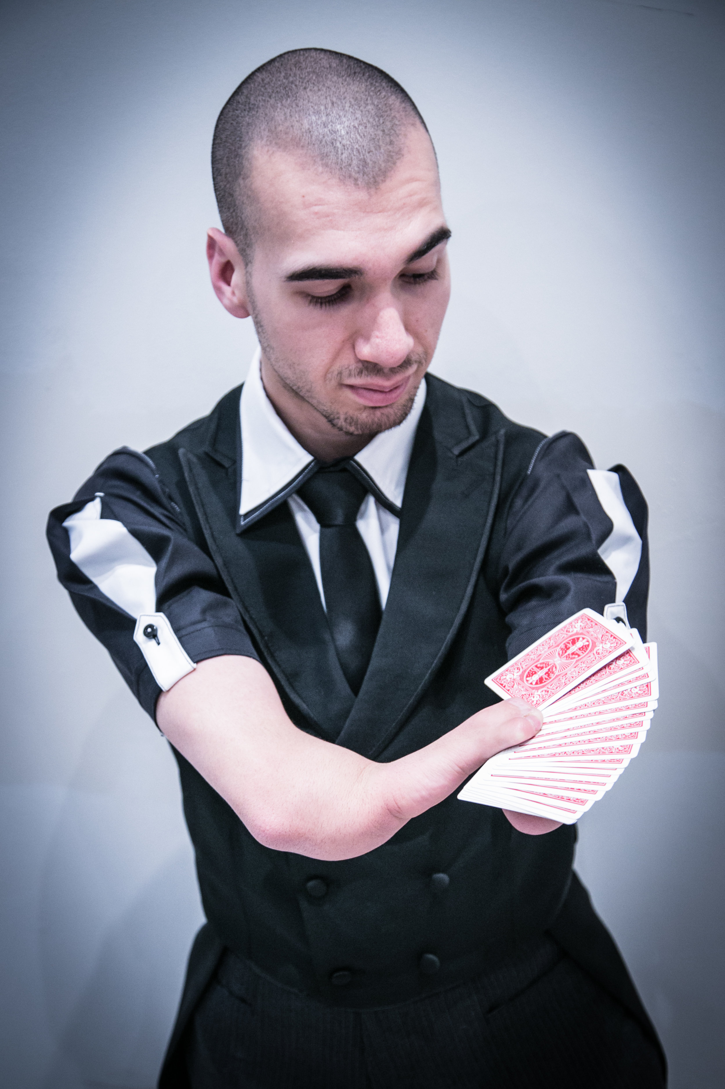 Mahdi Gilbert Corporate Magician Sleight of Hand.jpg