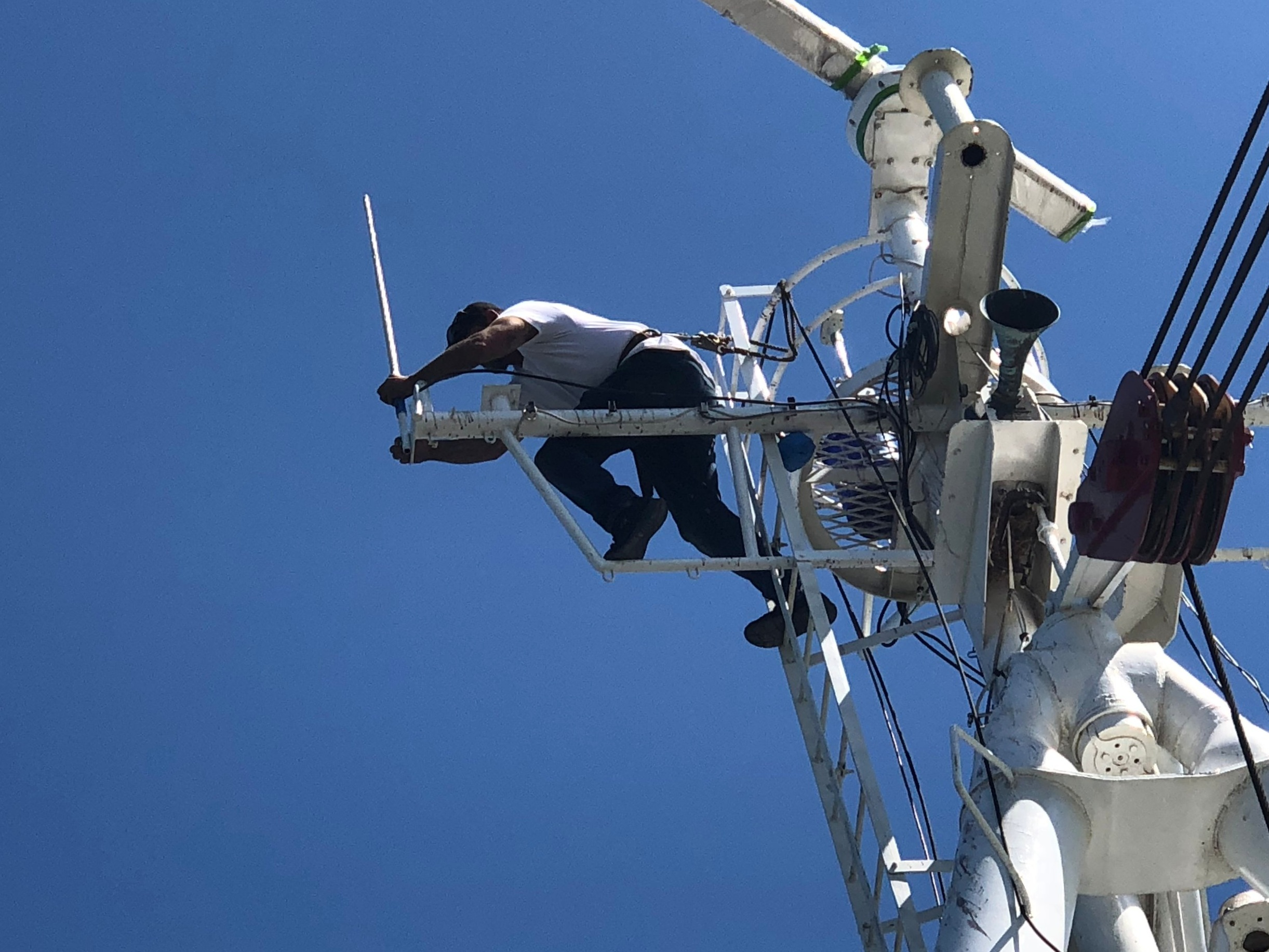 Joe installs one of the Shakespeare 6396 antennas.