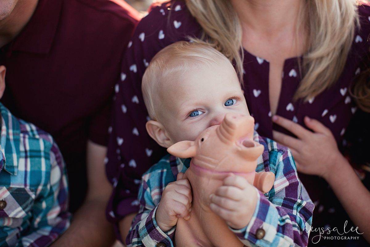 Snoqualmie Family Photographer, Neyssa Lee Photography, Family of 5, Baby boy with pig toy