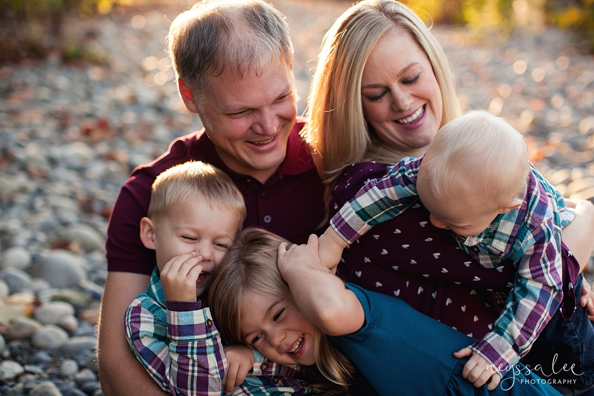 Snoqualmie Family Photographer, Neyssa Lee Photography, Family of 5, baby brother attacks