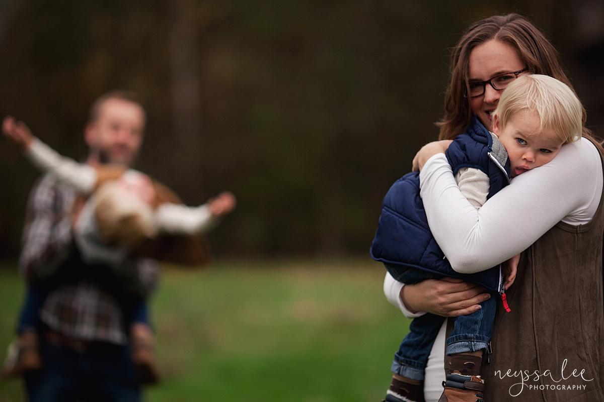 Neyssa Lee Photography, Snoqualmie Family Photographer, Fall Family Photos, Toddler boy hugs mom