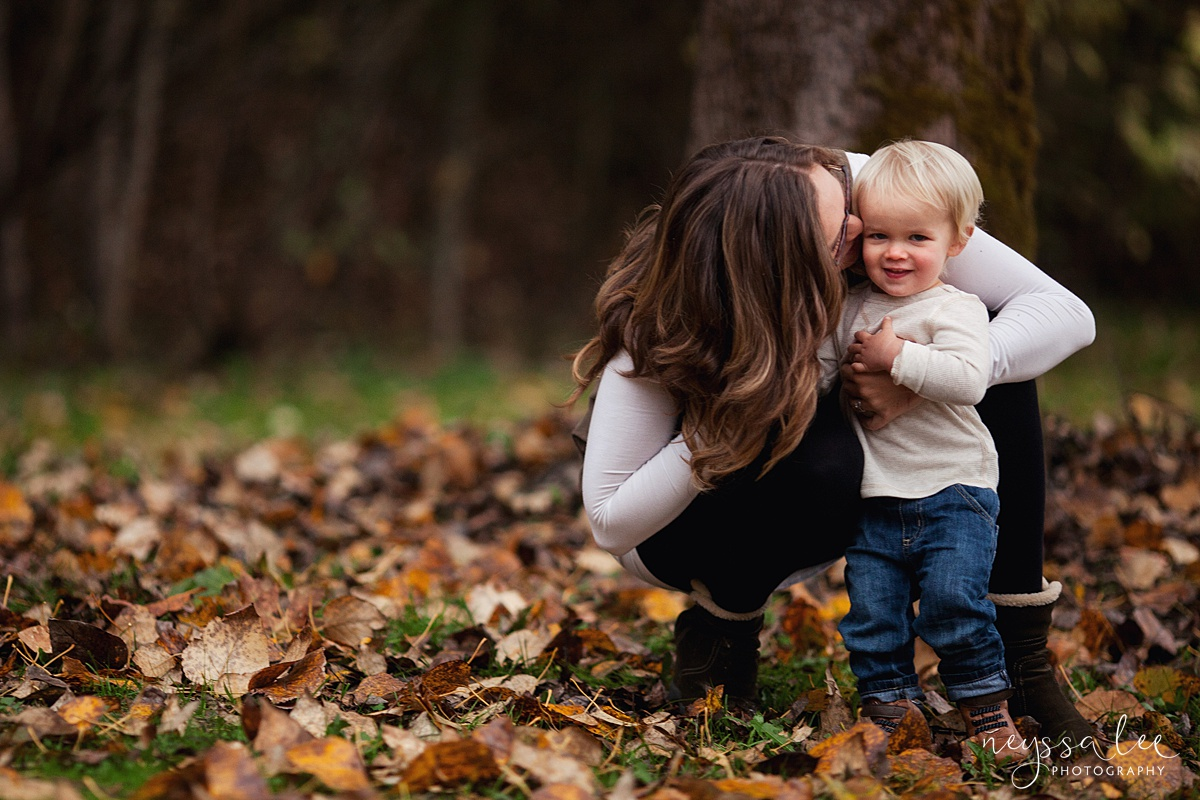 Neyssa Lee Photography, Snoqualmie Family Photographer, Fall Family Photos, Mom and son