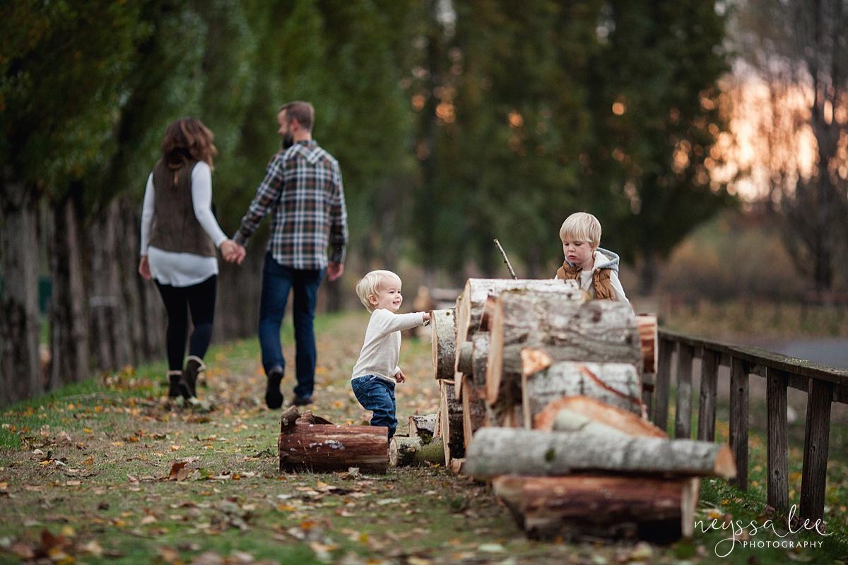 Neyssa Lee Photography, Snoqualmie Family Photographer, Fall Family Photos, Family