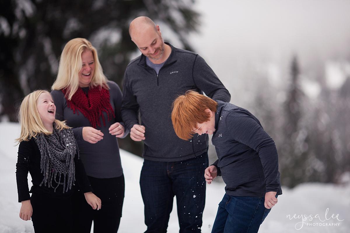 Neyssa Lee Photography, Snoqualmie Family Photographer, Family photos in the snow, family laughing