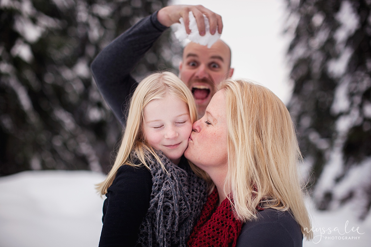 Neyssa Lee Photography, Snoqualmie Family Photographer, Family photos in the snow, mother and daughter, goofy dad