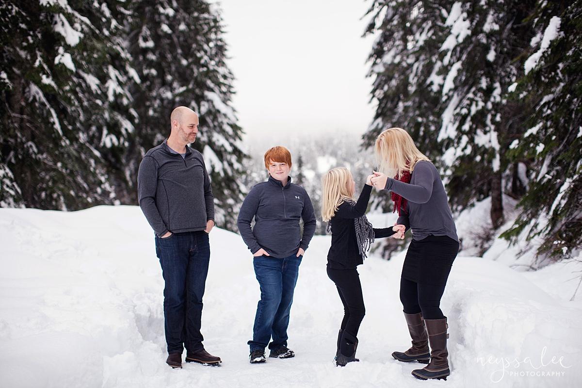 Neyssa Lee Photography, Snoqualmie Family Photographer, Family photos in the snow, Playing in the snow