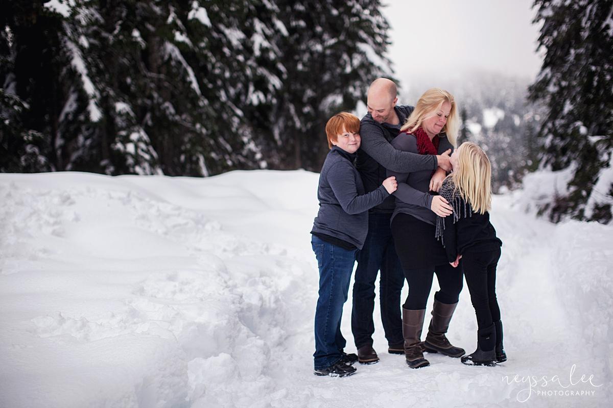 Neyssa Lee Photography, Snoqualmie Family Photographer, Family photos in the snow, family of four