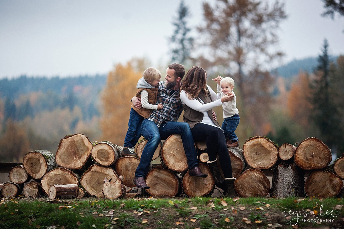 Neyssa Lee Photography, All Inclusive Photo Session, Seattle Family Photographer, Snoqualmie, Family on Wood pile
