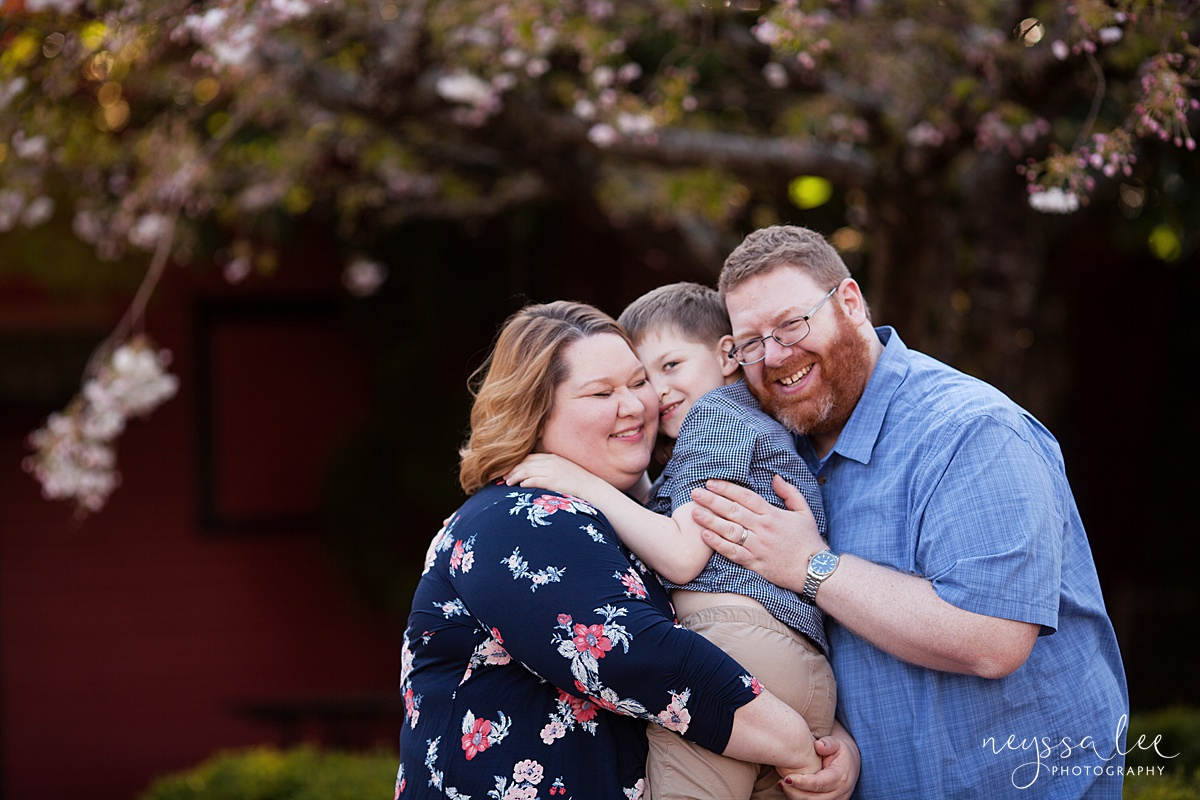 Photos for a 10 year anniversary, Snoqualmie Family Photography, Neyssa Lee Photography, Snoqualmie Train Station, Family by trees