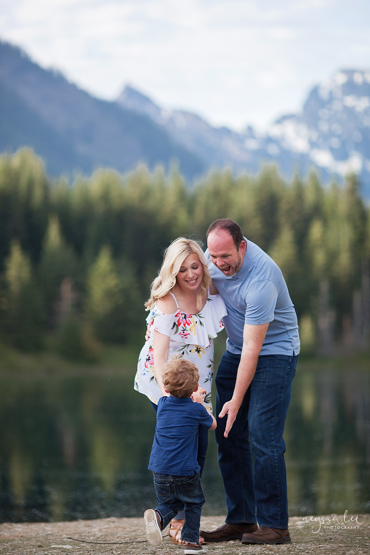 Maternity Photos in the Mountains, Gold Creek Pond, Neyssa Lee Photography, Snoqualmie Family Photographer, Boy with mom and dad