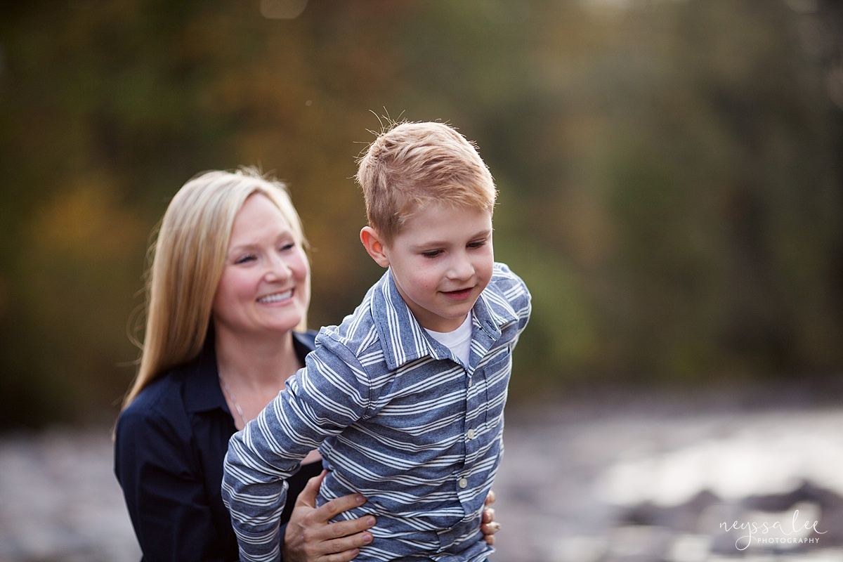 Snoqualmie Family Photographer, Neyssa Lee Photography, Fall Family Photos, Change of perspective on family photos, Mother and son