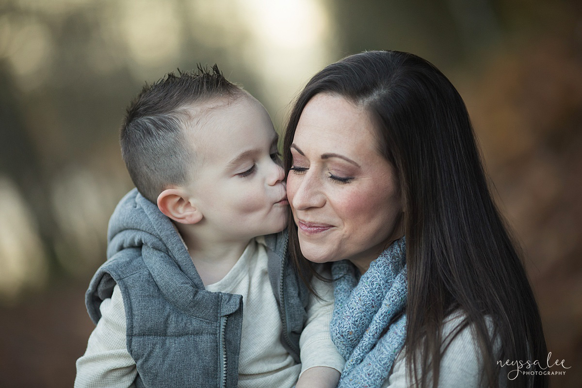 Neyssa Lee Photography, Snoqualmie Family Photographer, Large family photo, Lifestyle photo of son giving mom a kiss on the cheek