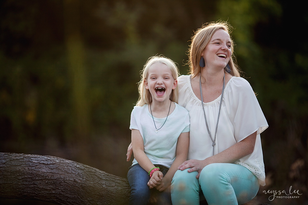 Neyssa Lee Photography, Snoqualmie Family Photographer, Seattle Family Photography, Family Photos in Summer, Photo of Mom and daughter laughing