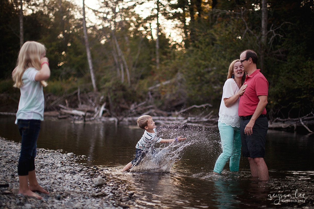 Neyssa Lee Photography, Snoqualmie Family Photographer, Seattle Family Photography, Family Photos in Summer, Photo of family splashing together in a river