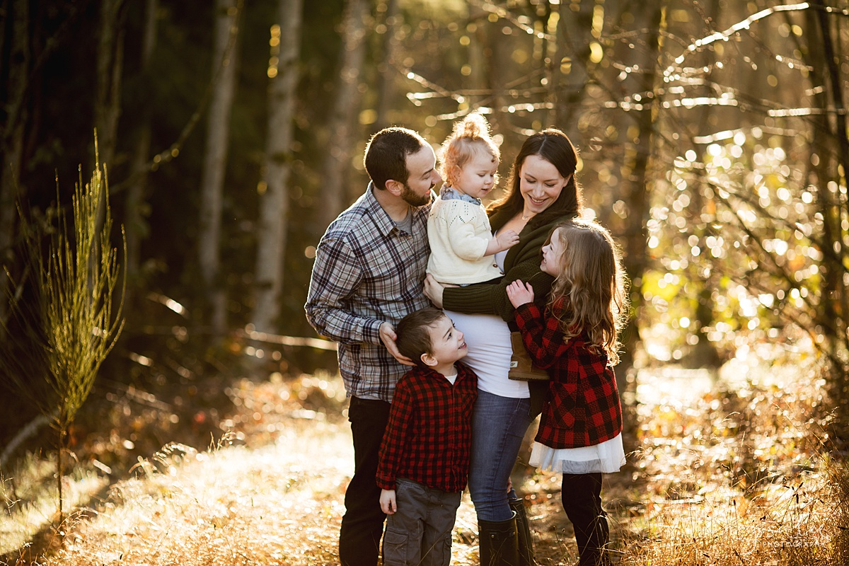 Tips to Rock Your Maternity Session, Neyssa Lee Photography, Maternity Photo of family of five in gorgeous light, Seattle Maternity Photographer, Issaquah Newborn Photographer,