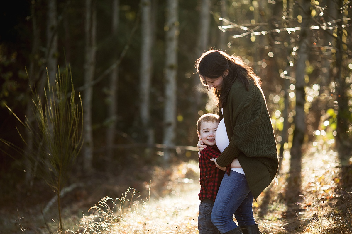 Tips to Rock Your Maternity Session, Neyssa Lee Photography, Maternity photo of mother and son in gorgeous light, Seattle Maternity Photographer, Issaquah Newborn Photographer,