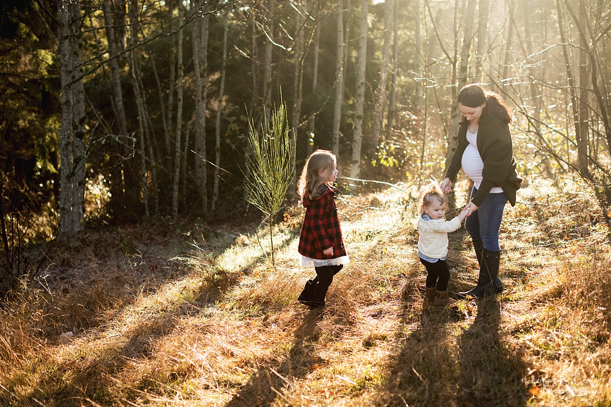 Tips to Rock Your Maternity Session, Neyssa Lee Photography, Seattle Maternity Photographer, Issaquah Newborn Photographer, Photo of Mother walking with daughters