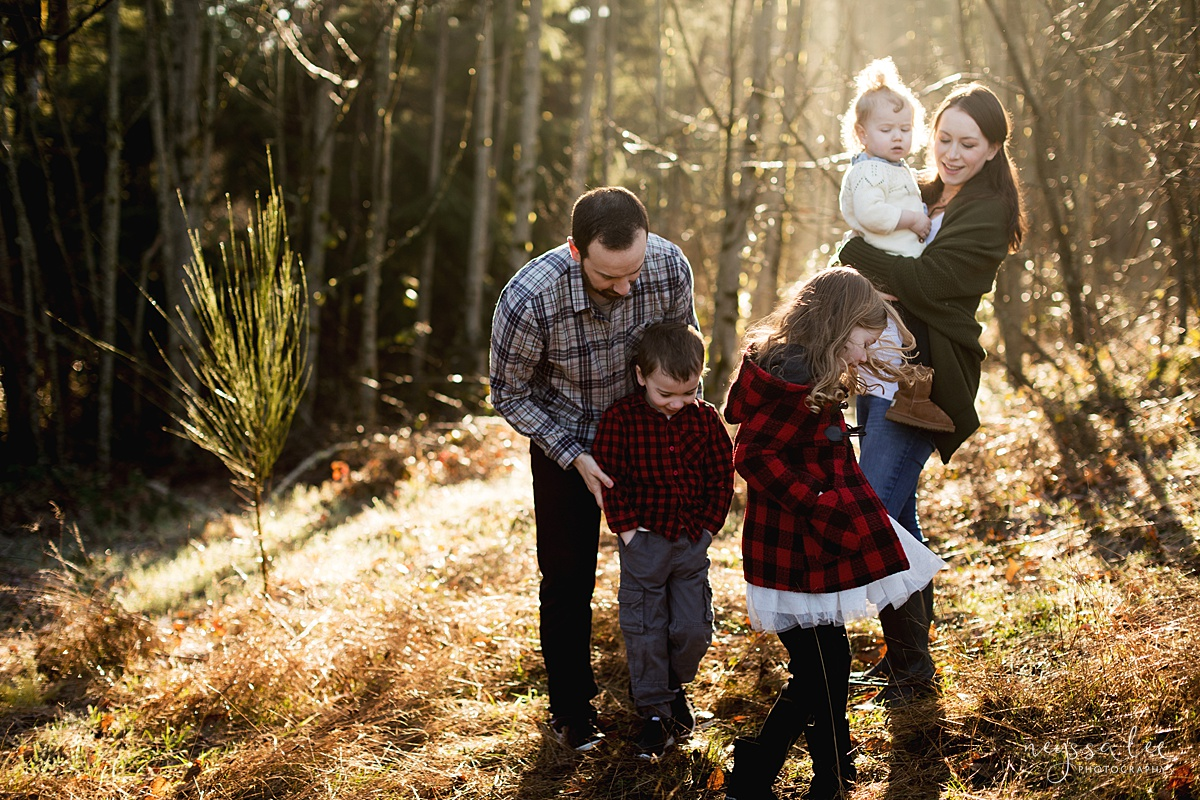 Tips to Rock Your Maternity Session, Neyssa Lee Photography, Seattle Maternity Photographer, Photo of daughter twirling in front of her family