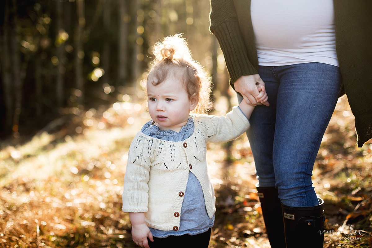 Tips to Rock Your Maternity Session, Neyssa Lee Photography, Seattle Maternity Photographer, Issaquah Newborn Photographer, Photo of toddler girl holding her moms hand