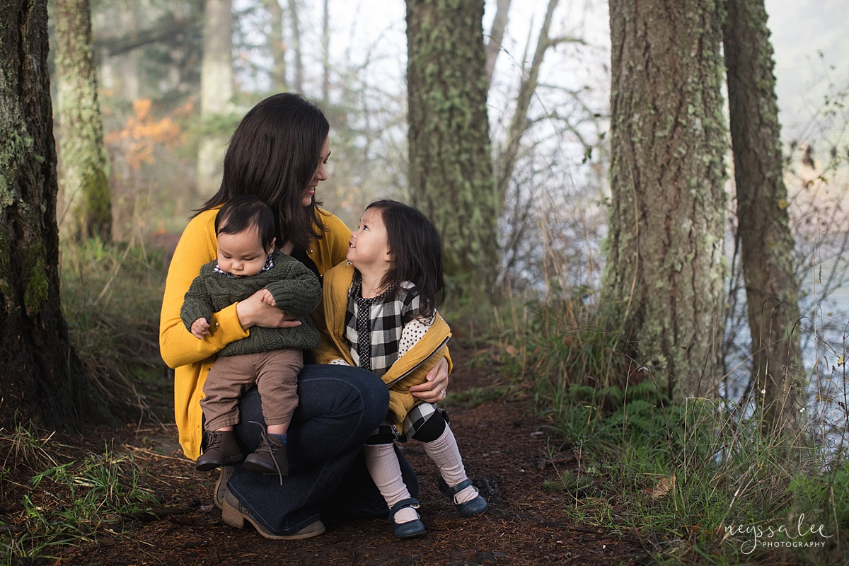 Neyssa Lee Photography, Snoqualmie Family Photographer, Family Photos for Shy Kids, Photo of mom with children