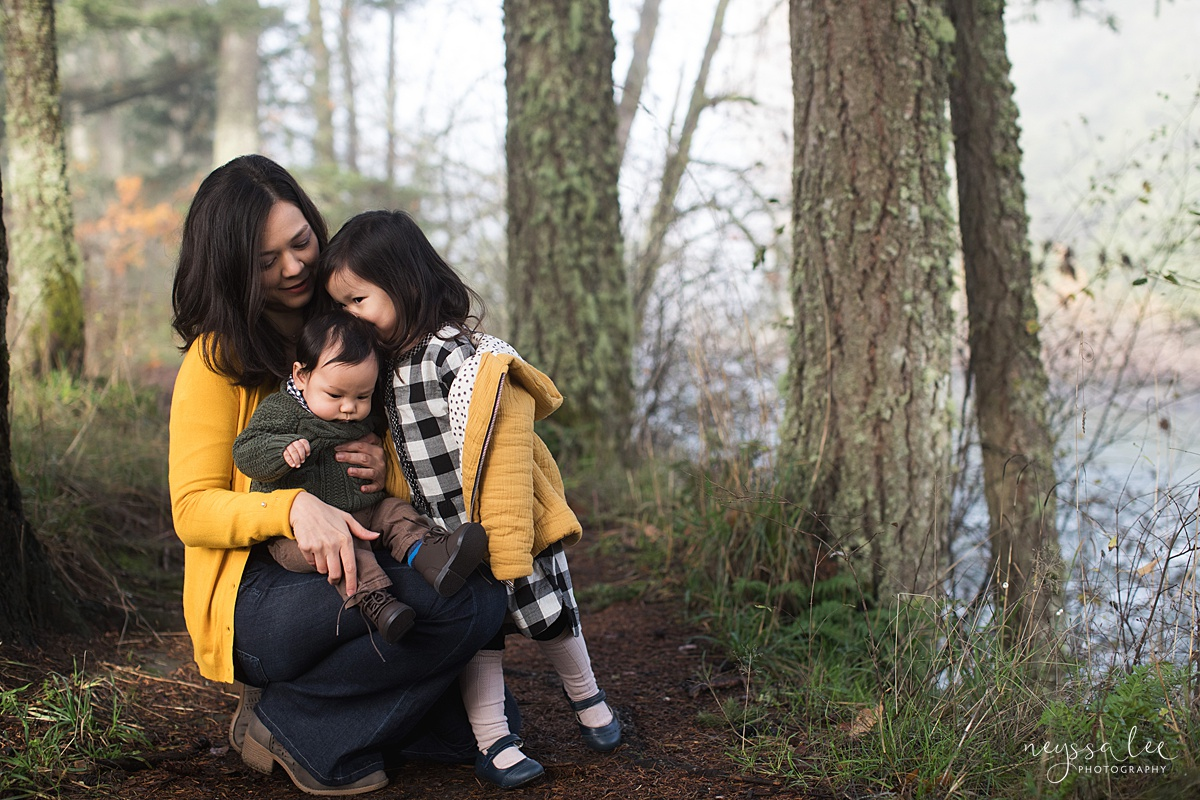 Neyssa Lee Photography, Snoqualmie Family Photographer, Family Photos for Shy Kids, Photo of mom with kids, big sister kissing baby brother