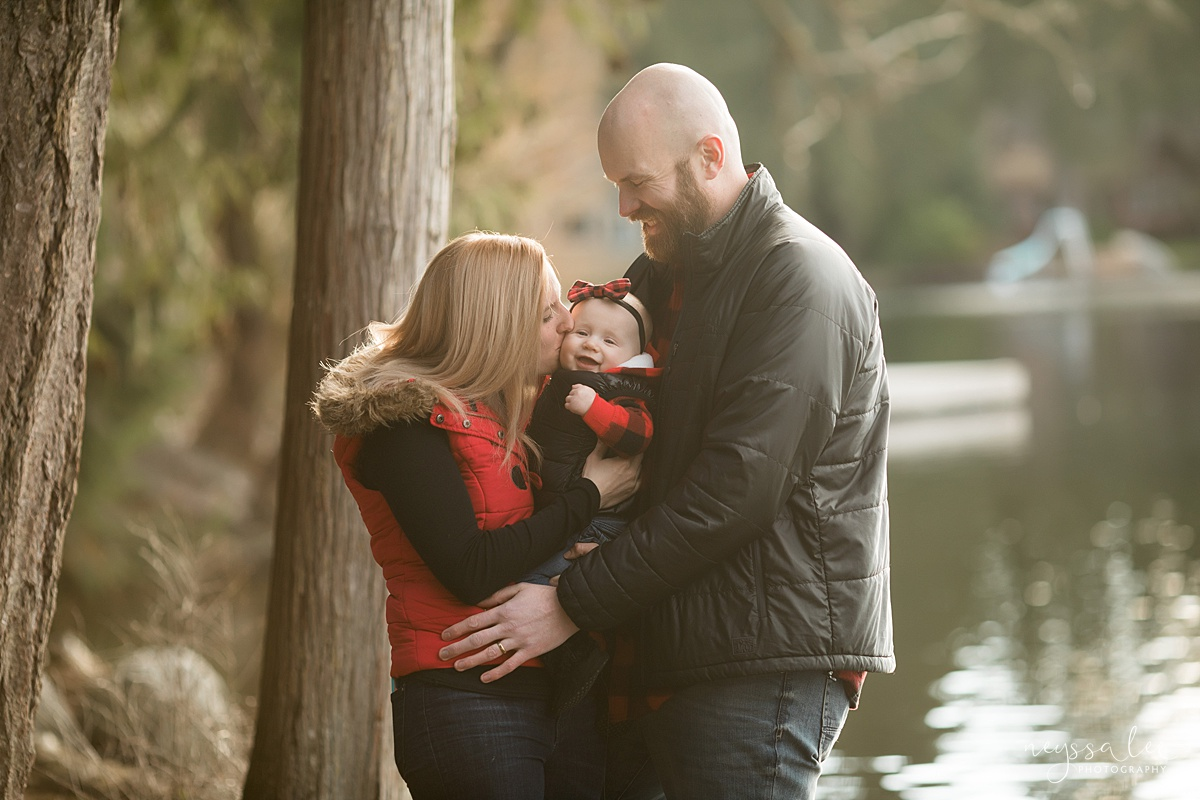 Best Age to Photograph Baby, Neyssa Lee Photography, Seattle Baby Photographer, Photo of family with baby girl by the lake