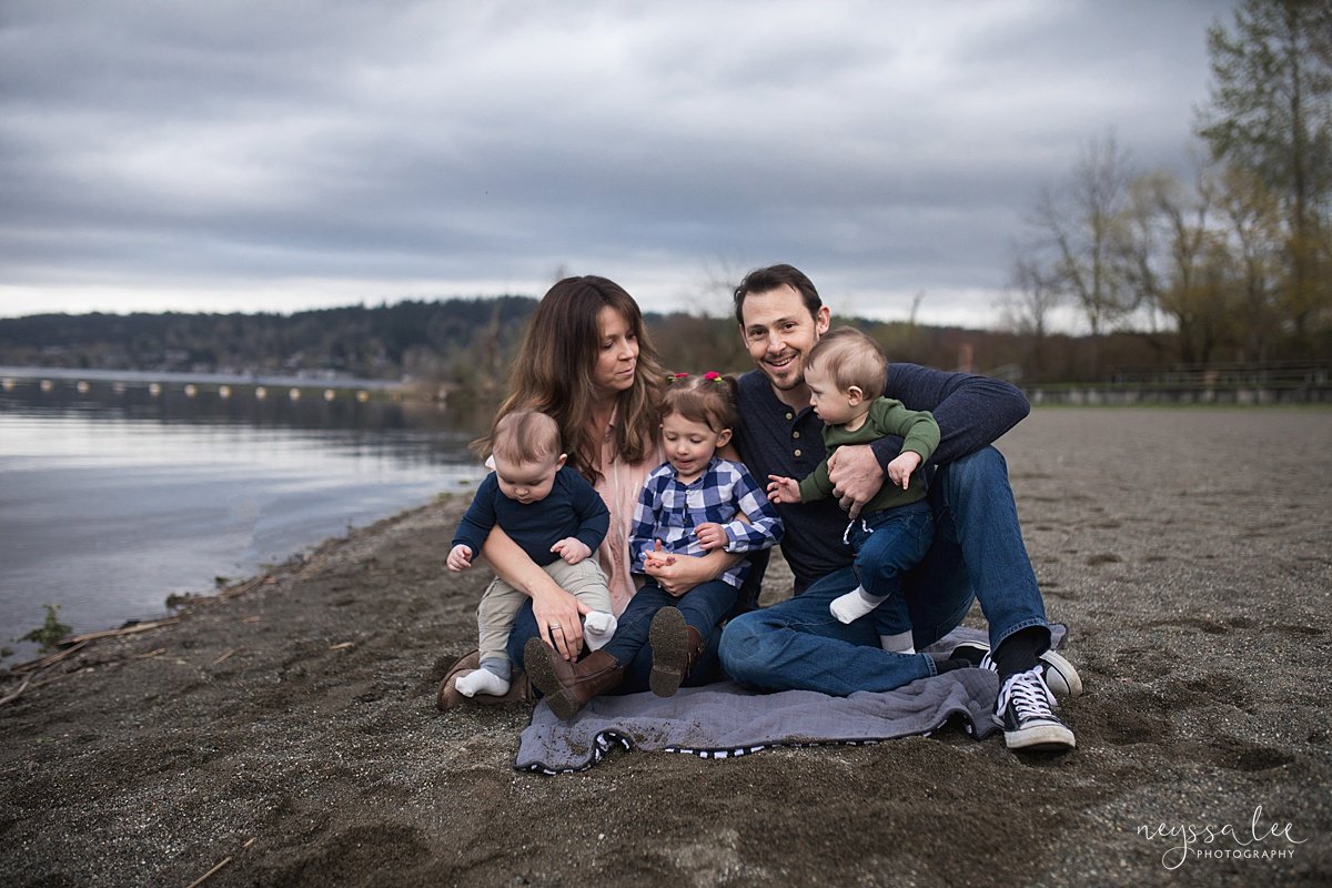 Neyssa Lee Photography, Issaquah Family Photographer, Family Photos with Grey Skies, Lake Sammamish State Park, Photo of family together on the beach