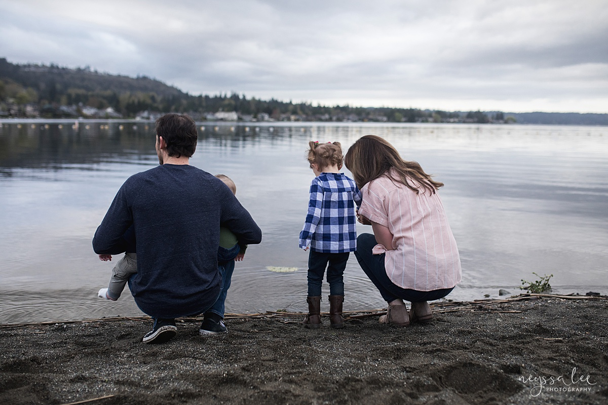 Neyssa Lee Photography, Issaquah Family Photographer, Family Photos with Grey Skies, Lake Sammamish State Park, Photo of family looking out at lake