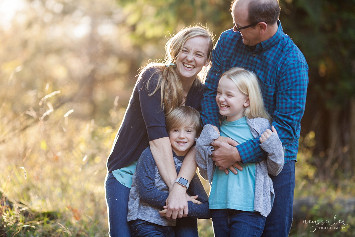 Neyssa Lee Photography, Seattle Family Photo Experience, Photo of family in beautiful light