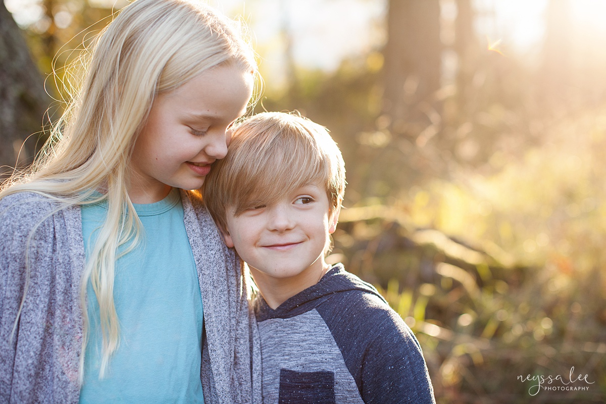 Neyssa Lee Photography, Seattle Family Photo Experience, Photo of brother and sister in beautiful evening sunlight