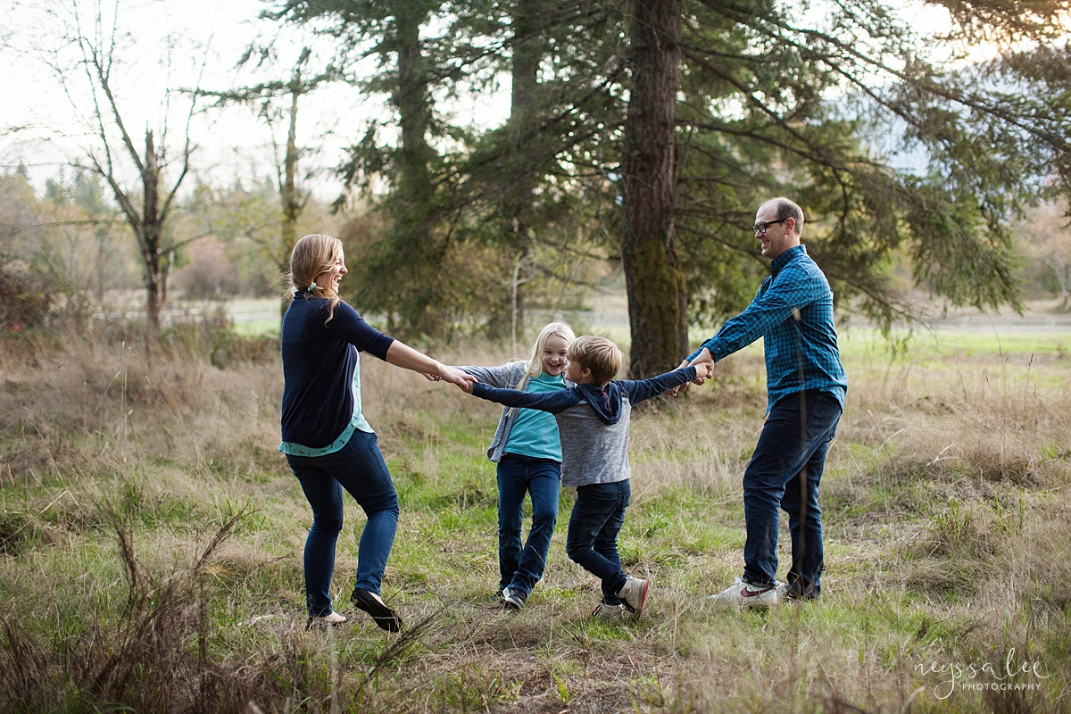 Neyssa Lee Photography, Seattle Family Photo Experience, Photo of family playing together