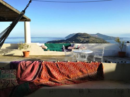 aeolian holiday home apartments in sicily — Villa Paradiso