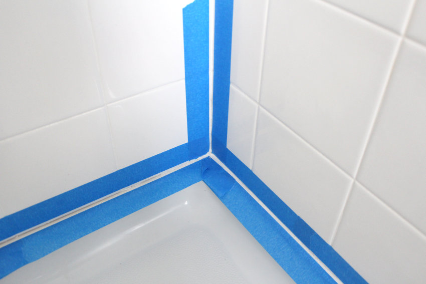 ec989__Painters-tape-adds-precision-to-the-caulking-process.jpg