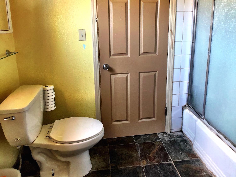 9 Bathroom.jpg