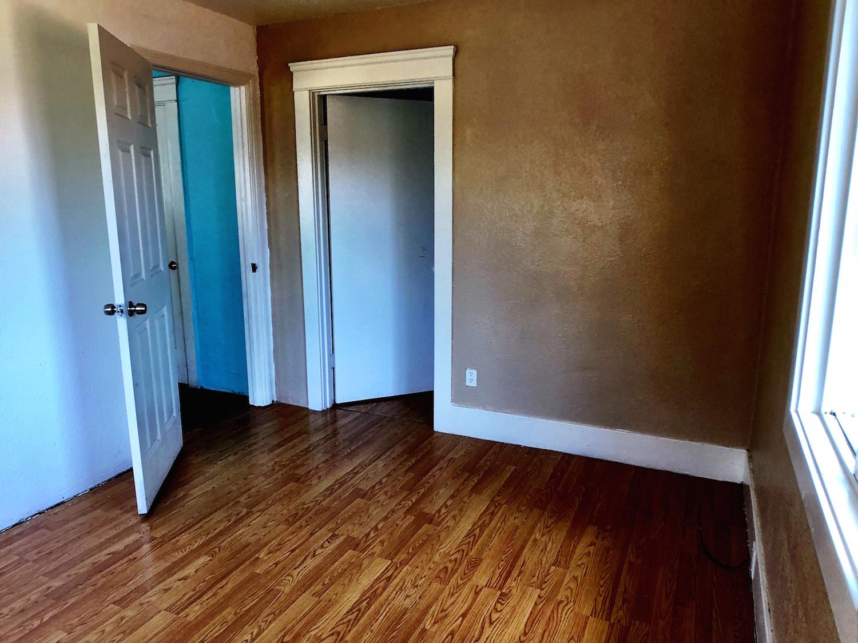 22 320A Front Bedroom.jpg